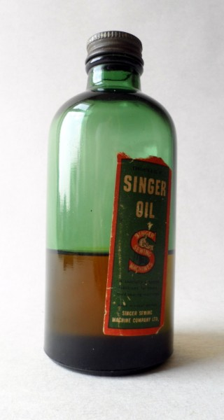 Htf Vintage Singer Sewing Machine Oil 6 Fluid Ounce Green